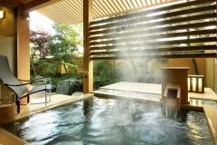 【別邸美悠】坪庭側65平米客室露天風呂イメージ